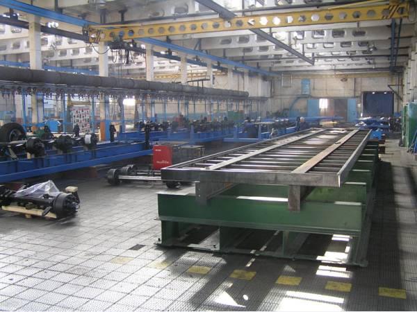 Металлическая плитка для бронирования промышленных бетонных полов.