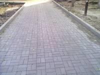 Бордюр и брусчатка тротуарная для мощения