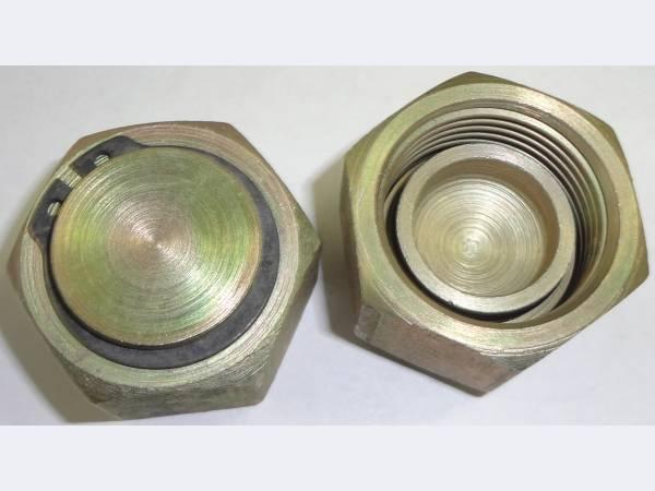 Присоединительные элементы и заглушки для клапанов элегаз.оборудования