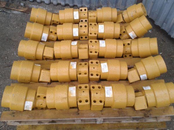 Каток поддерживающий 155-30-00234 для Komatsu D85A-18/21, D85E-21