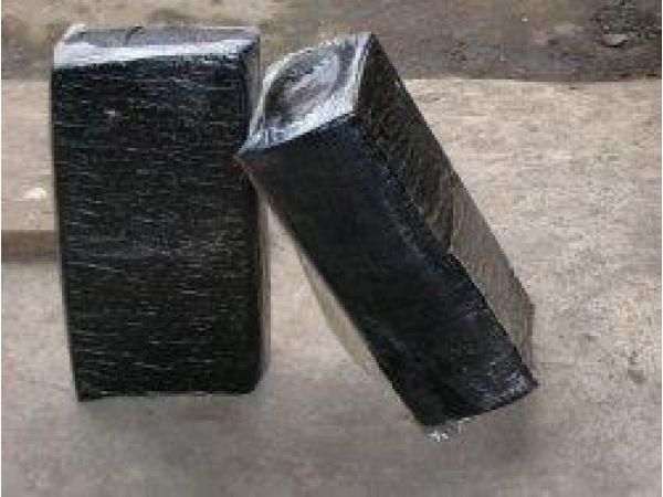 Битумно-полимерная мастика для герметизации трещин и швов