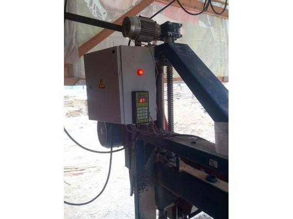 Электронная линейка для углопильных станков и ленточных пилорам