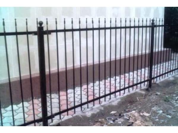 Ворота, калитки, заборы, ворота, газонные ограждения.