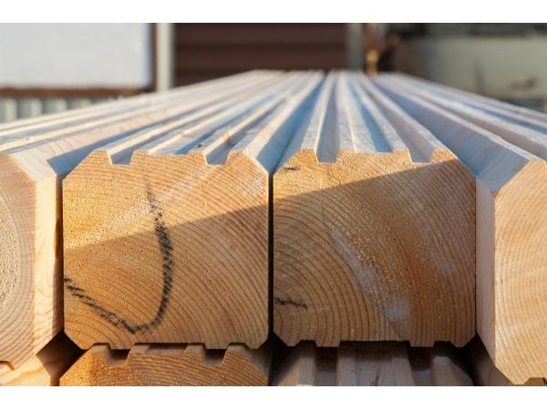 Домокомплекты и срубы из профилированого бруса (Сибирская лиственница)