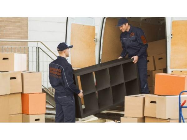 Перевозка мебели с грузчиками недорого.