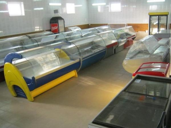 Транспортировка и погрузка-выгрузка холодильных витрин и установок.