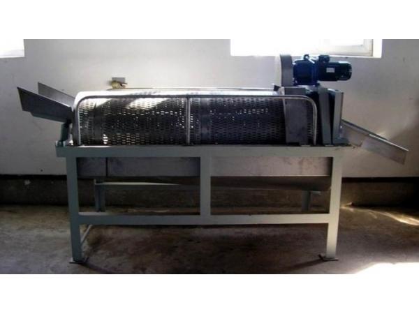 Барабан для снятия чешуи рыбы в производстве консервов