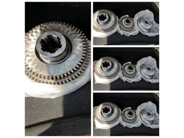 Блок-шестерни и муфта консольно-фрезерных станков мод. FSS 400