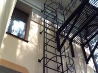 Пожарная вертикальная лестница металлическая под заказ