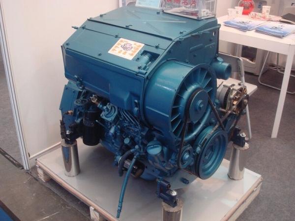 Двигатель Deutz BF4L913