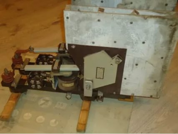 АКЦИЯ - Контакторы Cешерон (Secheron) для электровозов.
