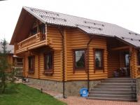 Дом из бревна.