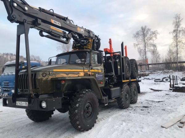 Лесовоз Урал ЯМЗ-236 НЕ2, топливная Россия с КМУ Велмаш