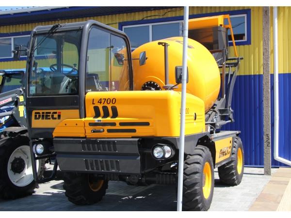 Самоходный бетоносмеситель с  самозагрузкой DIECI L4700