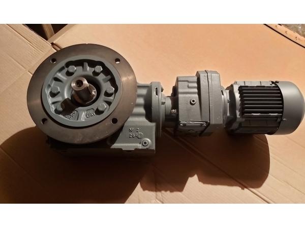 Мотор-редуктор KAF57  (SEW-EURODRIVE)