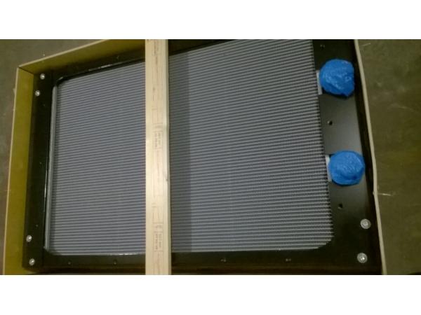 Радиатор охлаждения ДВС VOE 15020893