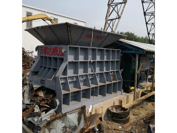 Контейнерный пресс 400 тонн обновленная модель