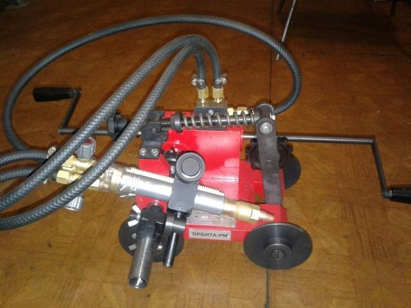 Машина для газовой резки стальных труб РМ,Р