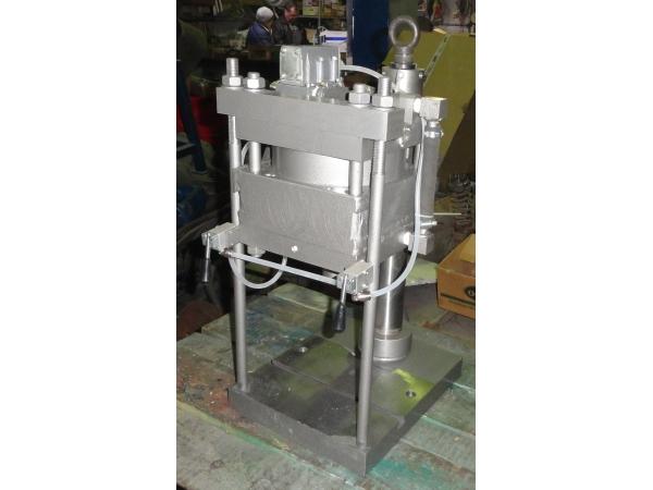Пресс пневматический настольный модель ППН-2