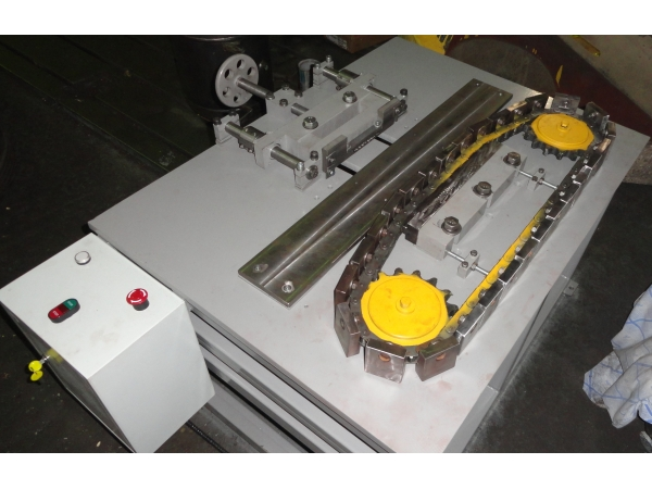 Станок для автоматического клеймения цилиндрических фланцев