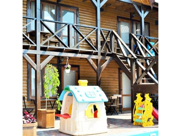 Двухуровневый дачный дом 407 кв.м на берегу Черного моря