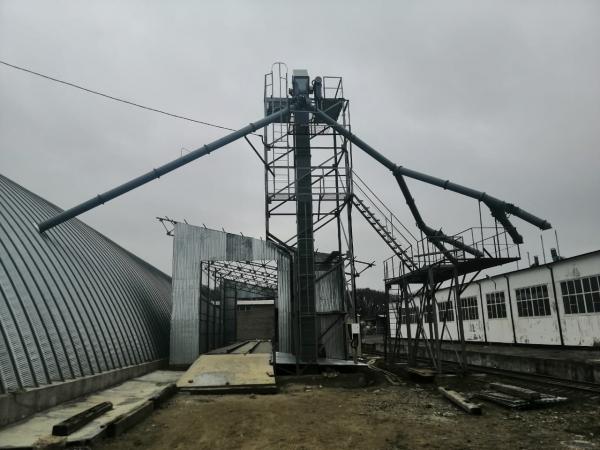 Производственная база – зерновой элеватор