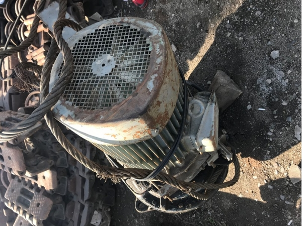 Электродвигатель KMR-160 M16-4 редуктора поворота б/у РДК-25