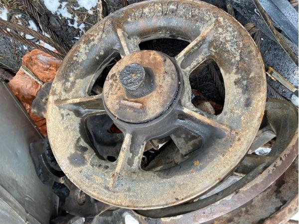 Натяжное колесо (ленивец) 720.114-10.00 б/у на РДК-250