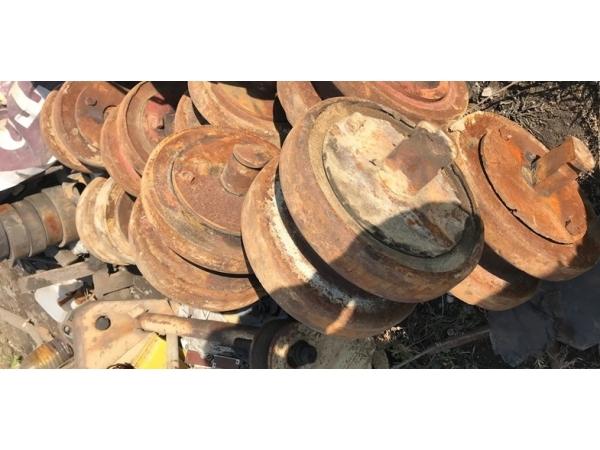 Опорный каток, колесо опорное 720.114-12.05 б/у на РДК-250