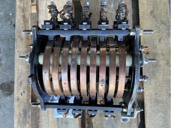 Токосъёмник (токоприёмник) К-3109 (ТКК-109) на МКГ-25