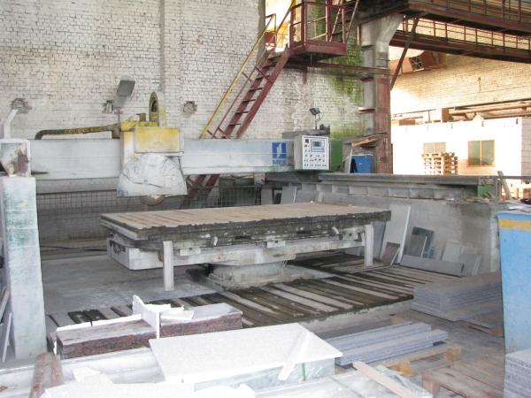 Продается фрезерный станок для распиловки камня Simec. В рабочем сост