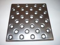 Металлическая плитка для пола перфорированная