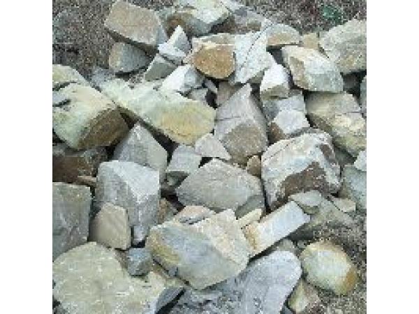 Камень бутовый, несортированный, 950 руб./м3.