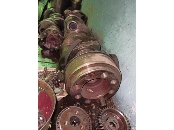 Коленвал двигателя 8ДВТ-330 для бульдозера Т-330 с хранения.