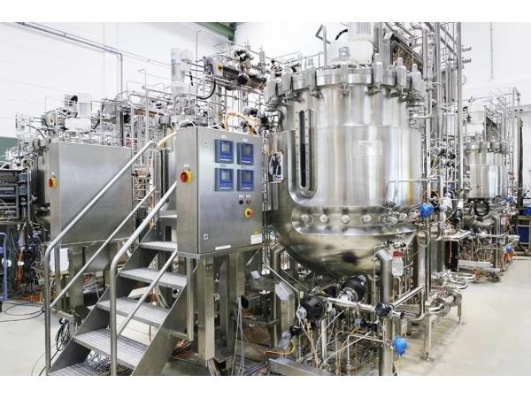 Реакторы, ферментёры, ёмкости из нержавеющей стали. Завод Гранд