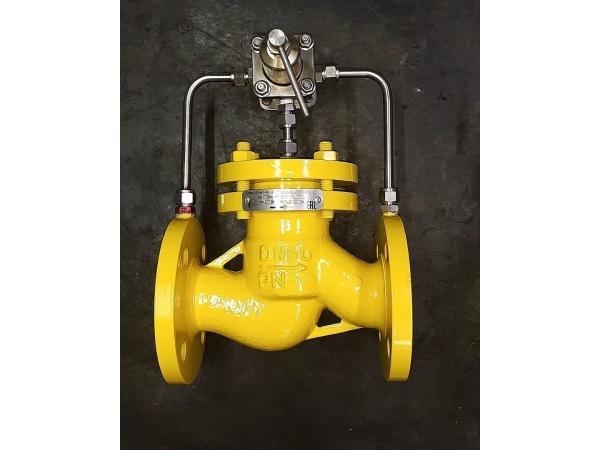 Регулятор давления на воду ду100