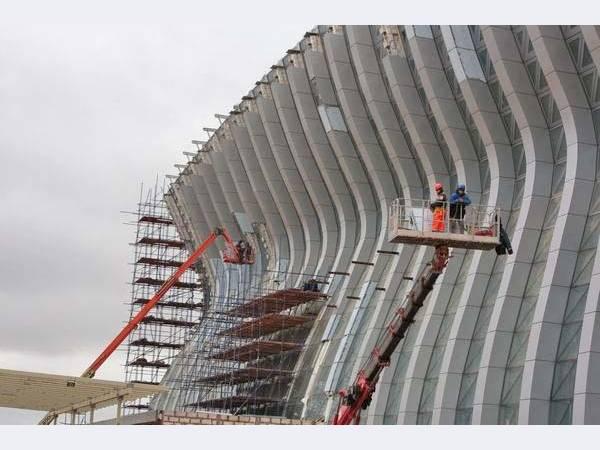 Для строительства нового терминала аэропорта в Симферополе смонтировано более 5,7 тыс. т металлоконструкций