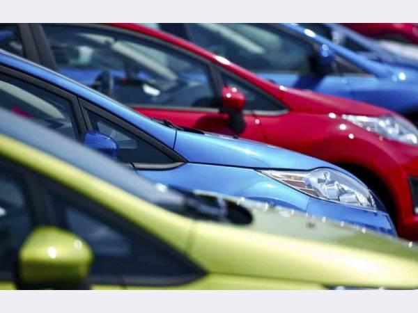 Продажи легковых автомобилей в РФ выросли в первом полугодии