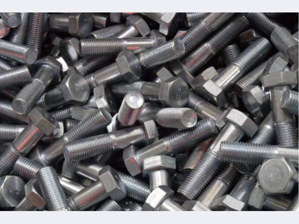ММК-МЕТИЗ освоил выпуск новой крепежной продукции для машиностроения и строительства
