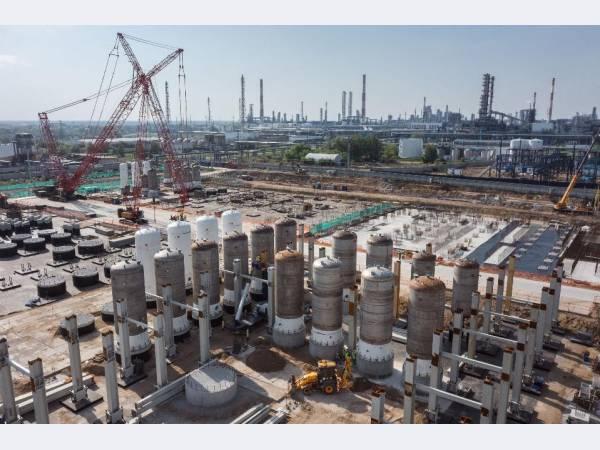 «Газпром нефть» совершенствует технические решения по проекту катализаторного завода в Омске