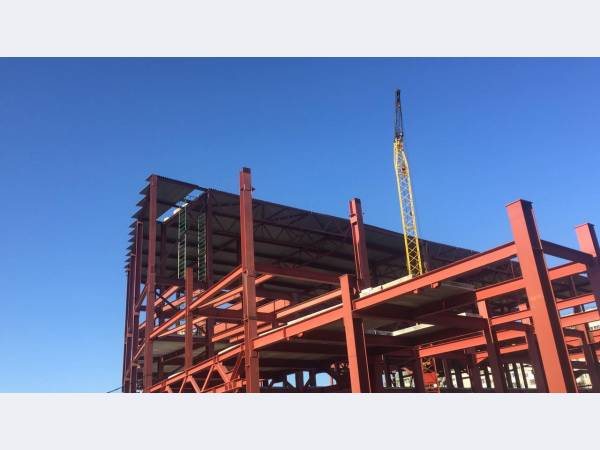 ЧМК произвел балку для строительства ТЦ в Екатеринбурге