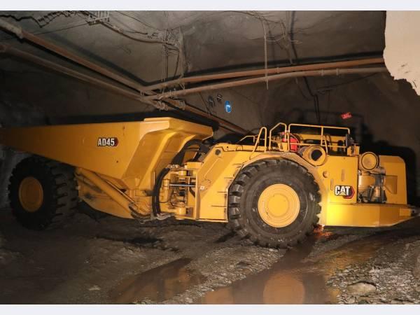 В Гайский ГОК впервые поступили горно-шахтные самосвалы грузоподъемностью 45 т
